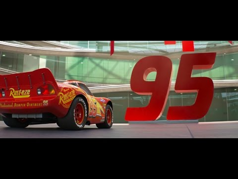 "Cars 3 ""Lightning Strikes"" Extended Look"